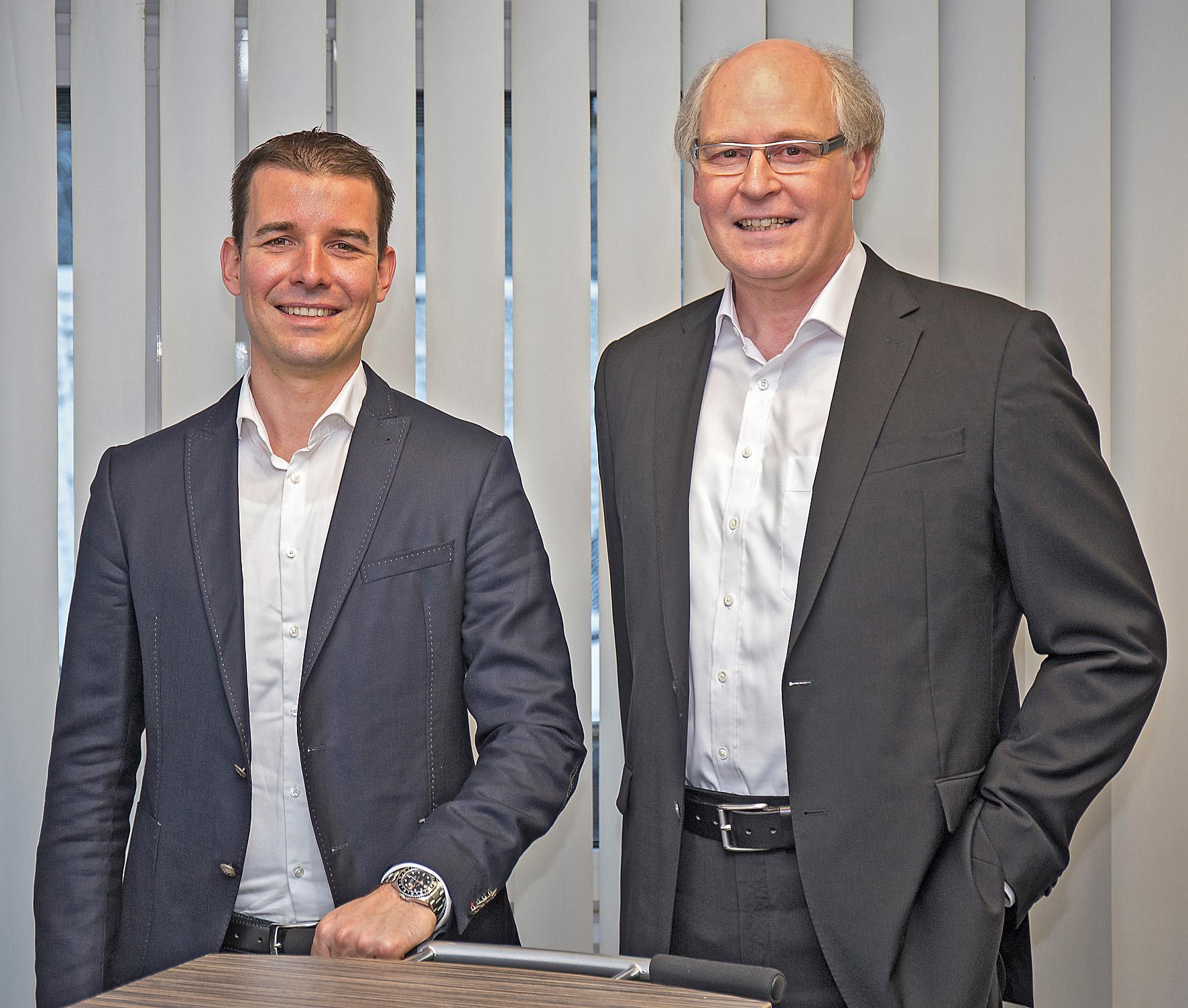 Philip Lehmann und Rainer Cordes, Geschäftsführer der OTTO KIND GmbH & Co. KG sowie der HARRES Metall-design GmbH.